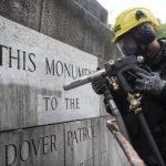 نظافت بنای یادبود نیویورک با کارچر