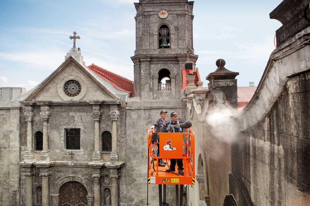 نظافت کلیسای سان آگوستن با کارچر